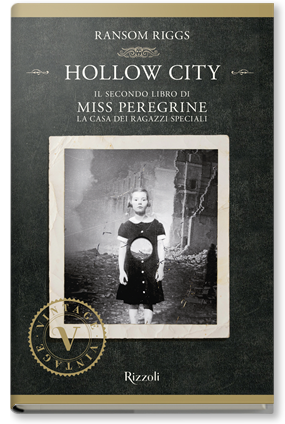 Copertina di: HOLLOW CITY